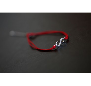 Bransoletka srebrna nieskończoność, czerwony sznurek